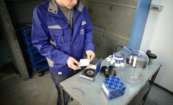Safety while working with cut-off wheels and reinforced grinding wheels